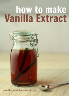 to Make Vanilla Extract How to Make Homemade Vanilla Extract-- I'm never buying vanilla from the store again!How to Make Homemade Vanilla Extract-- I'm never buying vanilla from the store again! Homemade Spices, Homemade Seasonings, How To Make Homemade, Homemade Food Gifts, Homemade Recipe, Do It Yourself Food, Homemade Vanilla Extract, Cuisine Diverse, Baking Tips