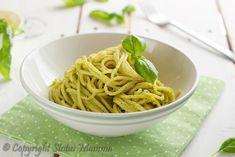 Un primo piatto semplice e veloce dove andremo a preparare un delizioso pesto al basilico arricchito con la ricotta. Perfetto per grandi e piccini.