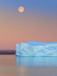 iceberg in the moonlight Moon Pictures, Pretty Pictures, Cool Photos, Beautiful Moon, Beautiful World, Beautiful Places, Espanto, Shoot The Moon, Sistema Solar