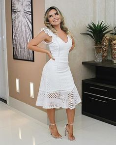Dressy Dresses, Elegant Dresses, Vintage Dresses, Classy Outfits, Chic Outfits, Fashion Outfits, Chic Dress, Dress Up, White Midi Dress