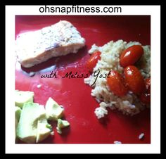 Salmon, Brown Rice, Grilled Tomatoes, and Advocado. Easy, healthy and filling YUMMY dinner. Clean Eating, Healthy Eating, Grilled Tomatoes, Brown Rice, Salmon, Grilling, Dinner, Easy, Food