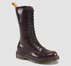 A classic done up vegan style! The synthetic materials used are acutely animal-friendly but this has not precluded quality, with this collection replicating Dr Marten's standard footwear down to the v