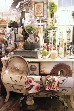 S vintage suitcase fall open house booth display ideas