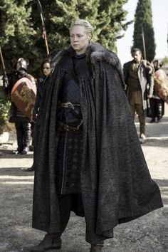 Game of Thrones - Episode - The Dragon and the Wolf - Game of Thrones Photo - Fanpop Game Of Thrones 1, Game Of Thrones Episodes, Game Of Thrones Series, Game Of Thrones Costumes, Game Of Thrones Quotes, Game Of Thrones Funny, Lady Brienne, Jaime And Brienne, Brienne Of Tarth