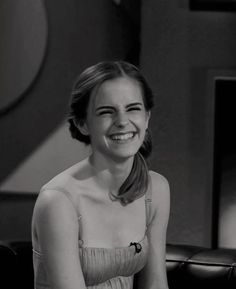 /r/EmmaWatson - For everything about the lovely and glorious Emma Watson. Ema Watson, Emma Watson Style, Emma Watson Beautiful, Emma Watson Sexiest, Emma Watson Funny, Emma Watson Body, Images Harry Potter, Harry Potter Actors, Harry James Potter