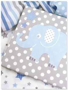 tor babyzimmer wandgestaltung lampen und textilien mit elefanten und sternen in hellblau. Black Bedroom Furniture Sets. Home Design Ideas