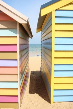 Brighton Beach Bathing Boxes, Melbourne, Australia || bayside | summer | pastel | sand + sun | travel ||