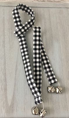 Farmhouse Custom Dog/Cat Potty Training Bells Dog Training Bells, Potty Training, Easter Cats, Girl And Dog, It Goes On, Cat Collars, Knobs And Pulls, Black Plaid, Go Outside