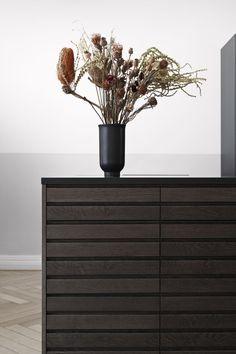 #trækøkken#träkök#trekjøkken#puukeittiö#houtenkeuken#cocinasdemadera Wooden Kitchens, Vase, Photo And Video, Instagram, Home Decor, Interior Design, Vases, Home Interior Design, Home Decoration