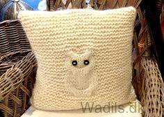 Gratis strikkeopskrifter - Wadils uld- og garnbutik i København og på nettet: bamsefutter-uld-tøj-garn-strikkepinde-strikkebøge Uld, Knitting Ideas, Knit Crochet, Cushions, Throw Pillows, Inspiration, How To Make, Tricot, Creative