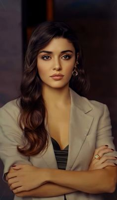 Turkish Fashion, Turkish Beauty, Indian Beauty, Beautiful Girl In India, Most Beautiful Indian Actress, Dark Makeup Looks, Cute Girl Hd Wallpaper, Actrices Hollywood, Beauty Full Girl
