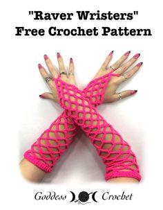 Raver Wristers – Free Pattern at Goddess )O( Crochet. Crochet Mitts, Crochet Wrist Warmers, Crochet Gloves, Crochet Yarn, Free Crochet, Arm Warmers, Crochet Crafts, Crochet Projects, Crochet Designs