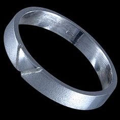 Sterling silver ring, band