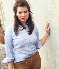 light blue button down and khakis / Curvy Betty