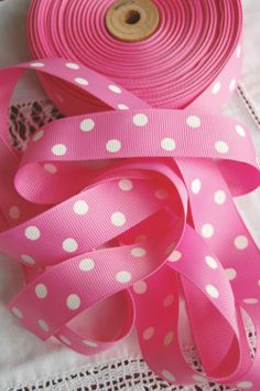polka dot. ribbon.