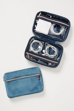 Traveling Will Never Be the Same Once You Invest in These 23 Genius Organizers Accessoires Iphone, Road Trip With Kids, Travel Organization, Tech Gifts, Travel Accessories, Travel Bags, Cool Things To Buy, Purses, Leather