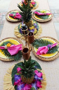 Throw a Tropical Luau Style your own luau dinner table with supplies like our tiki tumblers, palm leaves, leis, and luau fringe placemats. will show you her secrets to throwing the perfect luau party! Aloha Party, Hawaiian Luau Party, Hawaiian Birthday, Hawaiian Theme, Luau Birthday, Tiki Party, Festa Party, Beach Party, Adult Luau Party