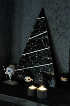 Black Wooden Christmas Tree #DIY #ChristmasDecorations