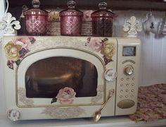lovelyshabbychichome: microwave (ph by Suzy Homefaker)