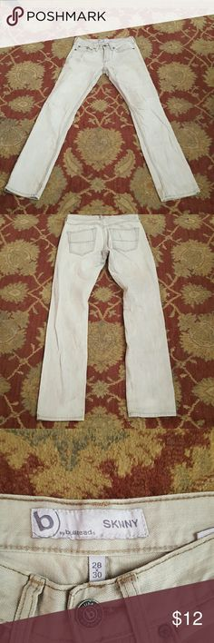 Bullhead skinny jeans light tan in color. Size 28/30 Bulhead skinny jeans light tan. Bullhead Jeans Skinny