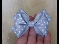 How to Make a Boutique Hair Bow Instructions - Daddy Fold our Easiest Boutique Fold Ever! Making Hair Bows, Diy Hair Bows, Diy Bow, Diy Ribbon, Ribbon Hair, Ribbon Crafts, Ribbon Bows, Ribbons, Hair Bow Tutorial