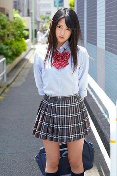 Japanese School Uniform Girl, School Uniform Fashion, School Girl Japan, School Girl Outfit, School Uniform Girls, Girls Uniforms, Girl Outfits, Japan School Uniform, Beautiful Japanese Girl