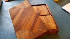 Pour faire suite à mon premier post voici une petite boite à sous bock que j'ai faite dans des chutes de teck pour soulager les angoisses de la propriétaire de ma belle table basse quant aux éventuelles...