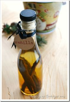 Make Your Own Homemade Vanilla Extract - Makes The Perfect Gift Too!