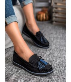 Shoes made of soft natural leather. Thanks to this, they perfectly adapt to every foot. Blue decorative details make this model look really original and at Black Loafers, Leather Loafers, Loafers For Women, Loafers Men, Types Of Heels, Model Look, Fringes, Natural Leather, Spring Summer Fashion