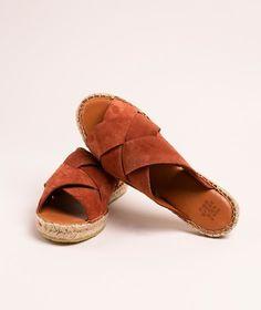 KAUF DICH GLÜCKLICH Sanya Slipper rot Sanya, Espadrilles, Sneaker, Slip On, Shopping, Shoes, Rust, Leather, Summer