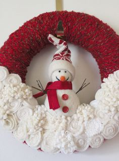 Winter Snowman Wreath, MADE TO ORDER Felt and Yarn Wreath, Red and Off White, 12 inch size