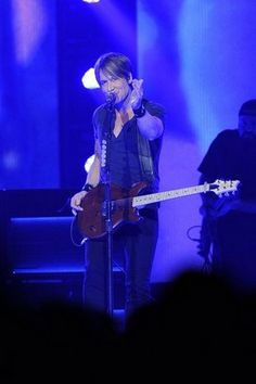 Keith Urban hits the stage Saturday night at Bridgestone Arena. BEST DAMN CONCERT EVER!