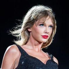 ローズ Tyler Swift, Taylor Swift Hot, Pink Snake, Dark Disney, Country Women, Taylor Swift Pictures, Victoria Justice, Beauty Photography, Queens