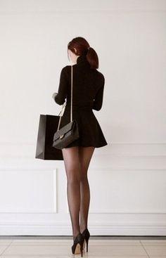 Girls legs stockings nylons hold ups high heels pumps sexy seamed stockings louboutin fishnets Great Legs, Nice Legs, Beautiful Legs, Amazing Legs, Beautiful Women, Sexy Outfits, Look Fashion, Girl Fashion, Fashion Beauty