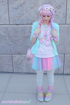 Adorable fairy-kei outfit I saw on one of my favorite blogs (http://www.pastelraindrops.com). Its so cute and colorful! ^_~