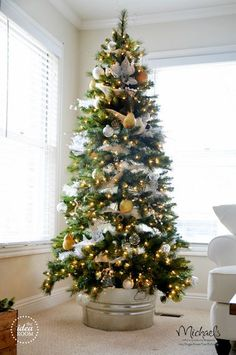 Silver and Gold Christmas Tree by @Amy Lyons Huntley (TheIdeaRoom.net)  (TheIdeaRoom.net)    #JustAddMichaels
