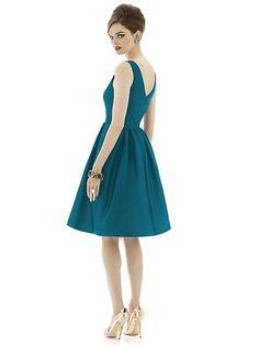 Alfred Sung Style D638 http://www.dessy.com/dresses/bridesmaid/d638/#.Us9MMzK9KK0