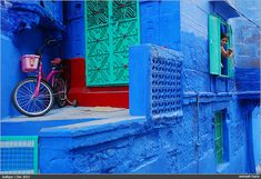 Street Photography in India - 50 Stunning Color Photos. Photo Credit: Animesh Hazra