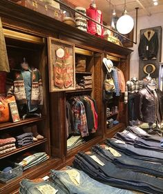 Clothing Store Interior, Clothing Store Design, Men's Clothing, Denim Display, Fishing Shop, Preppy Mens Fashion, Just Style, Store Interiors, Men Store