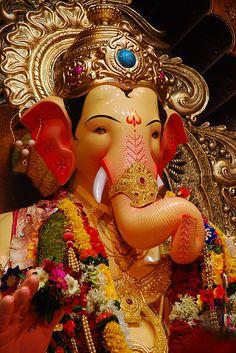 Q: How can I be always happy? Sri Sri Ravi Shankar: Drop the 'always' and then you will be happy. Shri Ganesh Images, Ganesha Pictures, Durga Images, Krishna Images, Lord Ganesha Paintings, Lord Shiva Painting, Ganesh Bhagwan, Ganpati Bappa Wallpapers, Ganesh Idol