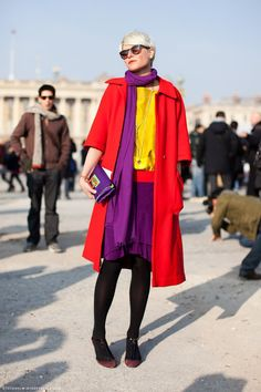 Best Ideas for Color Pairing by Elisa Nalin Fashion trends Fashion Colours, Colorful Fashion, Look Gamine, Elisa Nalin, Winter Typ, Elegantes Outfit, Color Pairing, Color Mix, Yellow Shorts