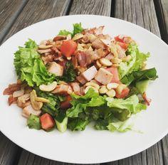 Cashew-pekoni-meloni-kalkkuna-salaatti