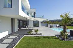 Finde moderner Garten Designs: VILLA BELICE. Entdecke die schönsten Bilder zur Inspiration für die Gestaltung deines Traumhauses.