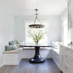 U Shaped Breakfast Nook Banquette with Oversized Round Dining Table - Transitional - Dining Room Farmhouse Dining Room Lighting, Dining Table Lighting, Custom Dining Tables, Dining Chandelier, Dining Nook, Round Dining Table, A Table, Round Tables, Farmhouse Chandelier