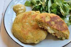 Hamburger di patate e zucchine Eggs, Chicken, Meat, Breakfast, Recipes, Food, Pura Vida, Morning Coffee, Essen
