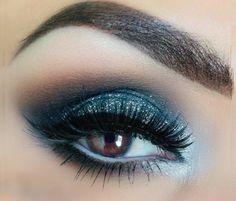 Maquiagem para vestido azul piscina