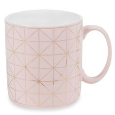 Tableware on Maisons du Monde. Take a look at all the furniture and decorative objects on Maisons du Monde. Coffee Is Life, Coffee Love, Coffee Mugs, Pretty Mugs, Cute Mugs, Rose Gold Decor, Rose Gold Plates, Rose Gold Kitchen, Cute Office Supplies
