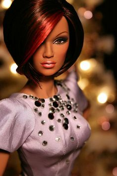 BEAUTIFUL fashion doll!!!! http://www.pinterest.com/lolahlace/all-dolled-up/