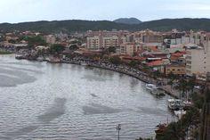 Na costa brasileira, por exemplo, o único processo de ressurgência bem conhecido é o da região de Cabo Frio, no Rio de Janeiro, onde ocorrem concentrações importantes de peixes | Wikimedia Commons