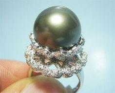 Tahitiperlring aus 750er Weißgold mit 0.40 Karat Diamanten